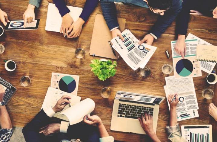 【週1打ち合わせ+リモートでOK!WEBデザイナー求人】 給与計算業務専門企業をサポートする企業