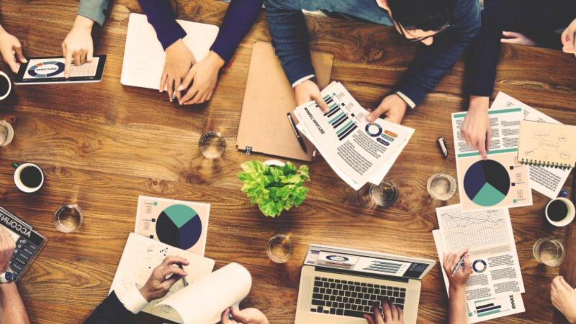 【週1-3回、顧客データの分析等ができる営業企画のプロ募集!】技術からヒューマンスキル向上まで手掛けるIT企業