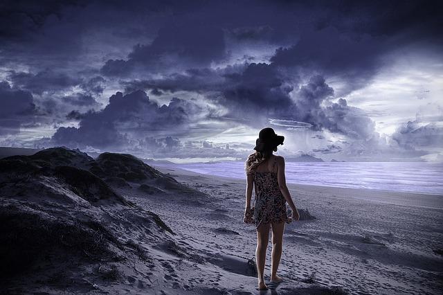 alone-1501946_640