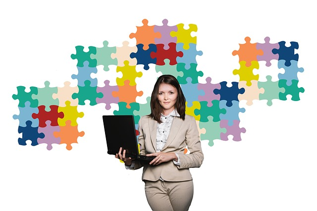 businesswoman-2822600_640