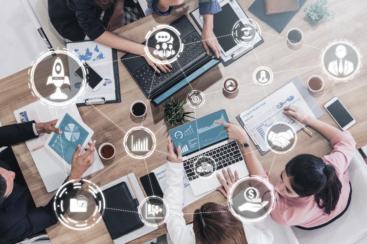 Webマーケティングをプロ契約(業務委託)で依頼する5つのメリットとは?